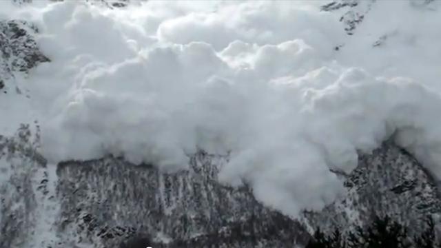 Firing Artillery Against Snowy Peaks Is A Lot Of Fun