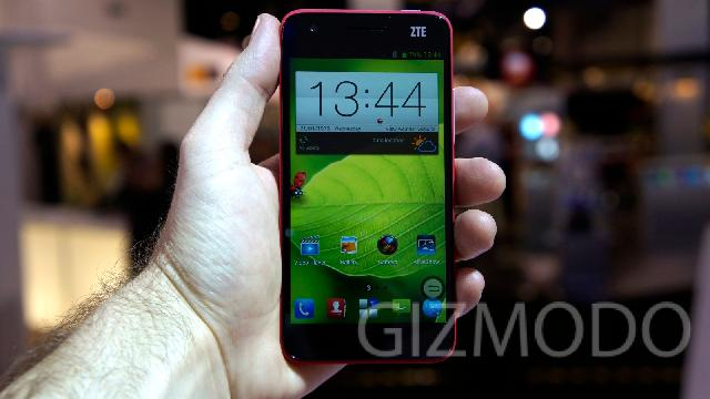 ZTE Grand S Hands On: Superphone Doesn't Seem So Super