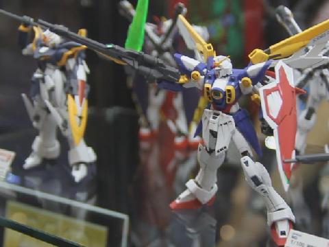 A Hundred Gundam Or So