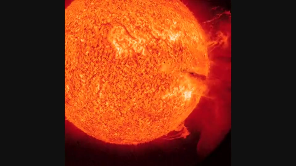 Spectacular Coronal Mass Ejection Hitting Earth Tonight